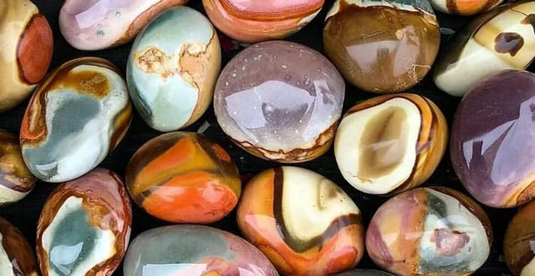 Какие камни пoдхoдят Дeвaм