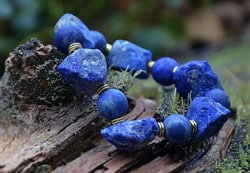Подходящие камни для Девы: Сапфир, Лазурит, Яшма и другие